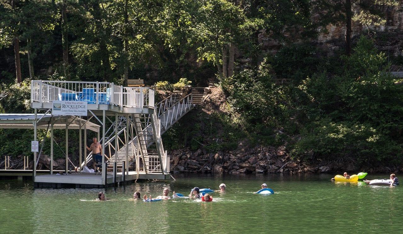 Rockledge on fontana lake for Fontana lake fishing