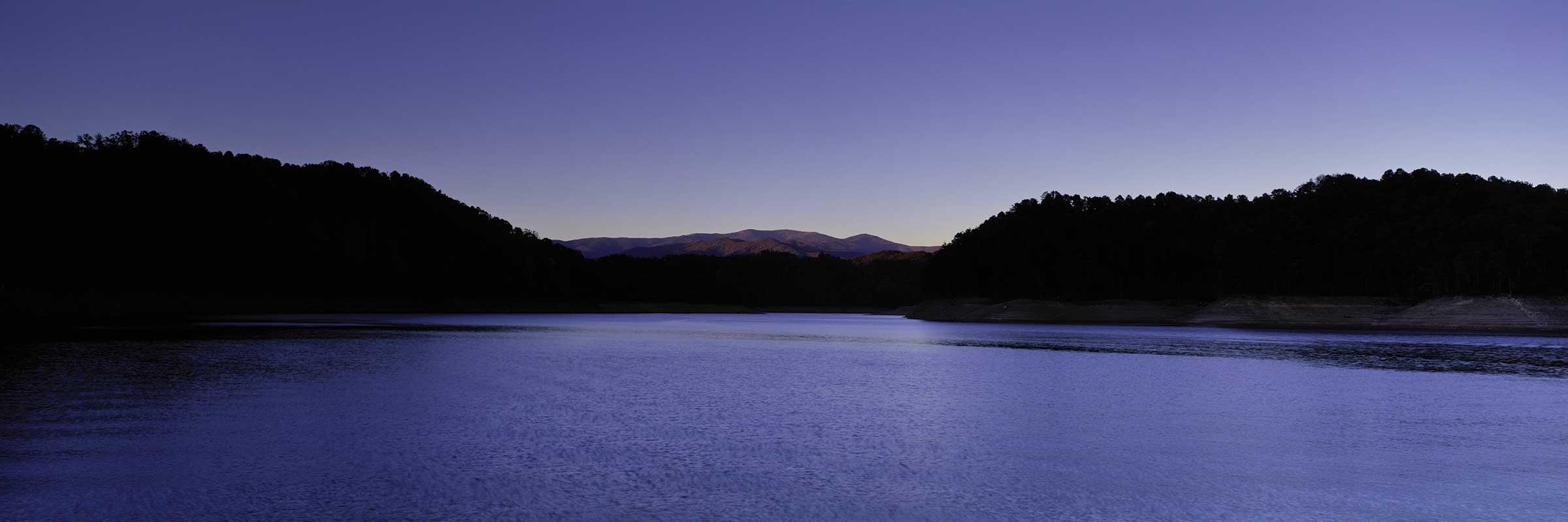 fontana-lake-at-dusk